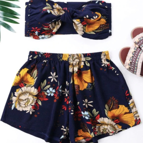 Zaful Pants - Two-Piece Flower Print Mini Tube Top And Shorts -